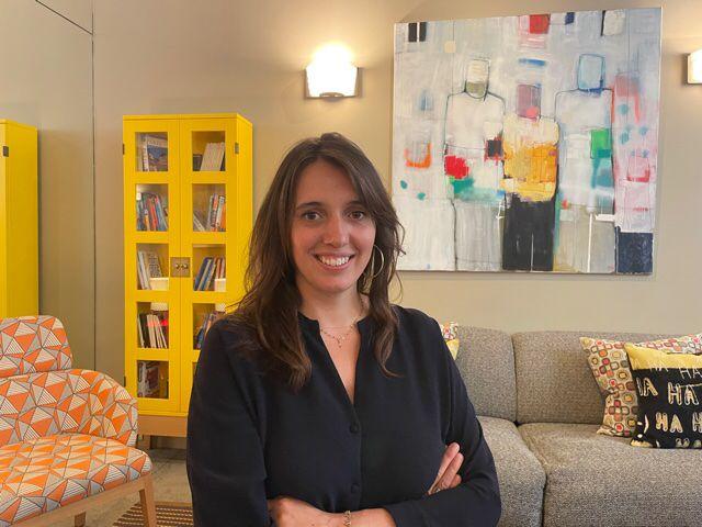 """Delphine Prigent a rejoint l'aventure familiale pour le projet du """"Signature St Germain"""" en 2012. Elle a créé, avec l'aide de toute son équipe, une maison à son image, colorée, punchy et joyeuse ! - DR"""