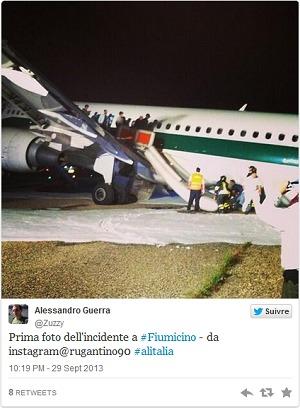 Après l'atterrissage périlleux de l'A320 d'Alitalia à Rome, des passagers ont partagé des photos de l'évacuation de l'appareil sur les réseaux sociaux - DR : Twitter