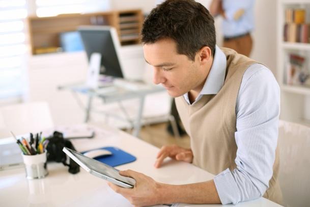 Une autorisation d'ouverture dominicale pour les agences de voyages ne figure pas au centre des préoccupations des professionnels du secteur - © goodluz - Fotolia.com
