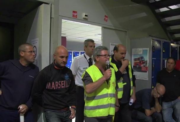 """""""Nos emplois nous appartiennent et nous sommes en légitime défense."""" Aimé Musto, responsable CGT Air France à Marseille - Capture d'écran"""