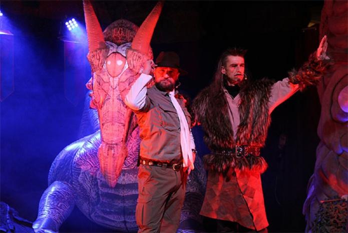 Pour les vacances de la Toussaint, Vulcania proposera des animations spéciales sur Halloween. Des animations sur le thème des Dragons seront proposées Henri de Dragoniac et Vlad - Crédits Vulcania