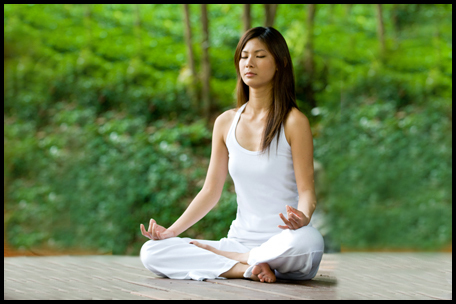 Le yoga vise à unifier l'être humain sur le plan physique, spirituel et psychique. Une voie qui passe par la méditation, l'ascèse morale et les exercices corporels.©DR