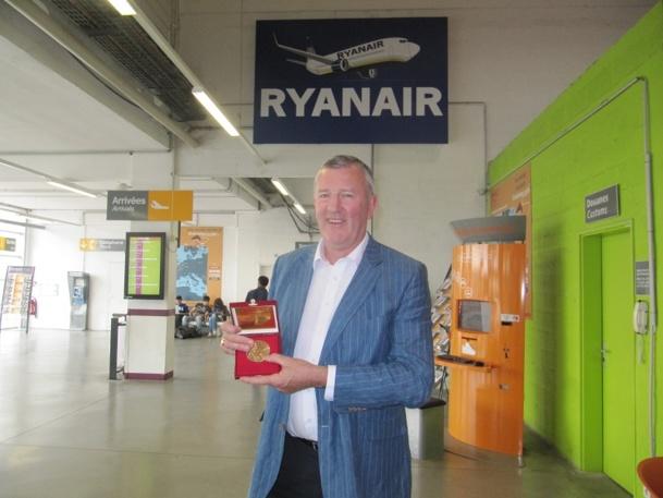 Nous avons rencontré Michael Cawley au terminal MP2 de l'aéroport Marseille Provence à l'occasion de sa venue pour rencontrer Jean-Claude Gaudin qui lui a remis la médaille de citoyen d'honneur de la ville - Photo P.C.