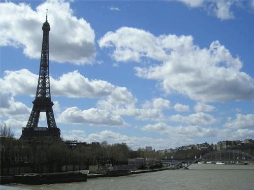 Destination France : ''l'accueil demeure la dimension la plus critiquée''