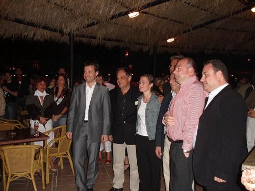 Sharm el Cheick, l'équipe NF Paladien et les officiels le soir de l'inauguration. En chemise rose, Christophe Lavail, en costume gris, Marc Goetz, directeur des Paladien
