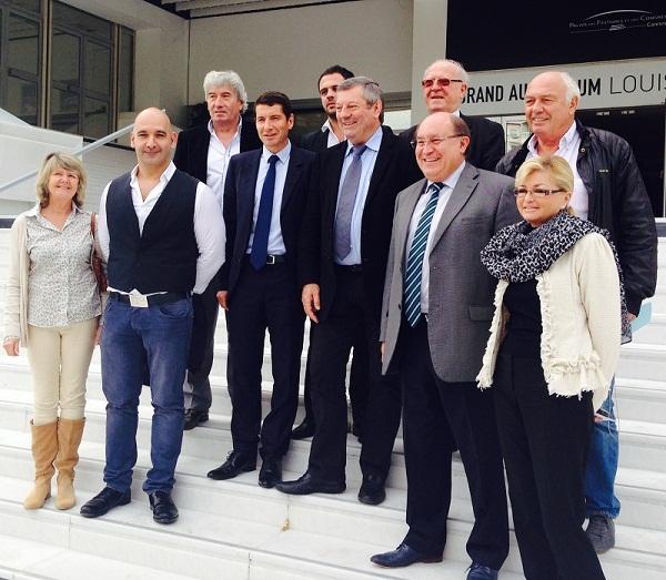 Le président Roland Heguy de l'UMIH ,entouré des responsables et élus,  prépare le prochain congrès national à Cannes - Photo M.B.