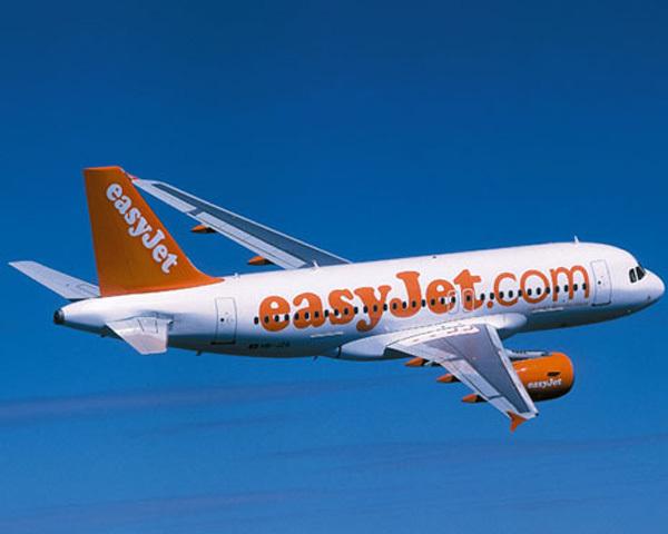 En choisissant d'emblée de s'implanter dans les grands aéroports easyjet n'a pas choisi la voie de la facilité mais son choix s'avère aujourd'hui plus payant que celui de Ryanair... /photo dr