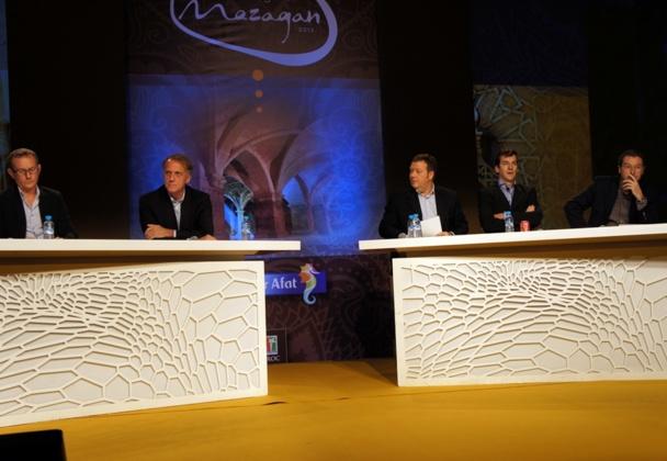 Le débat entre Pascal de Izaguirre (TUI France), Emmanuel Foiry (Kuoni),Thierry Miremont (Fram), Alain de Mendonça (Promovacances) et Dominique Duc (Voyamar), animé par François-Xavier Izenic.