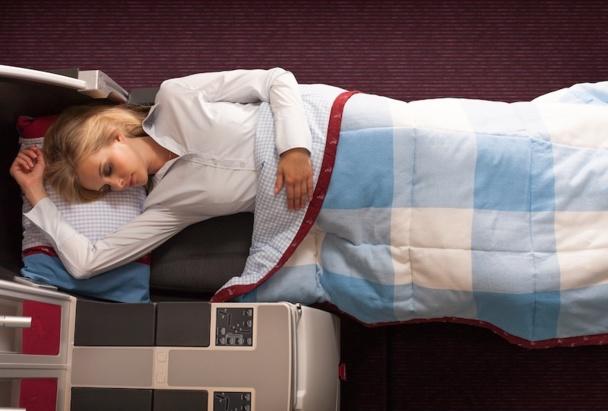 Les nouveaux sièges de la classe affaires d'Austrian se transforment en lit de deux mètres. DR