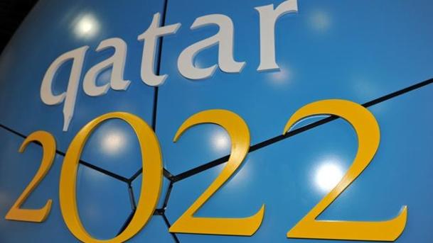 La case de l'Oncle Dom : va te faire foot au Qatar en hiver !
