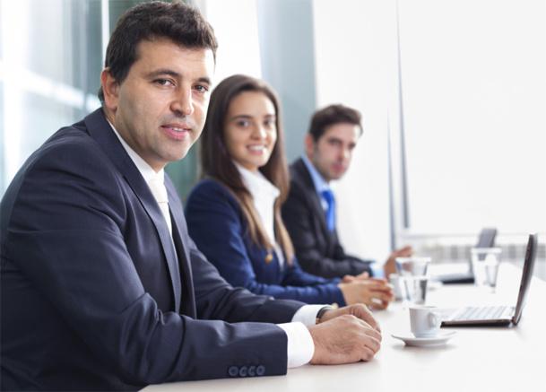 Au niveau des recrutements, le marché est très tendu depuis le dernier trimestre 2013, beaucoup de recruteurs peinent encore plus que d'habitude à recruter la perle rare, moins de candidatures, candidats pas assez polyvalents, absence de compétences, salaires trop bas qui n'attirent plus, plus de contrats en CDD etc... - © cristovao31 - Fotolia.com
