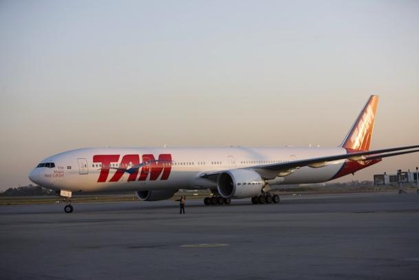 TAM vient de mettre en place un B 777 pour sa ligne Paris-São Paulo. Mais la concurrence sera rude face à Air France qui compte programmer un A 380 sur la même ligne. DR