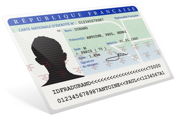 Les cartes d'identité délivrées depuis le 2 janvier 2004 deviennent automatiquement valables pendant 15 ans - DR : © AcuaO - Fotolia.com