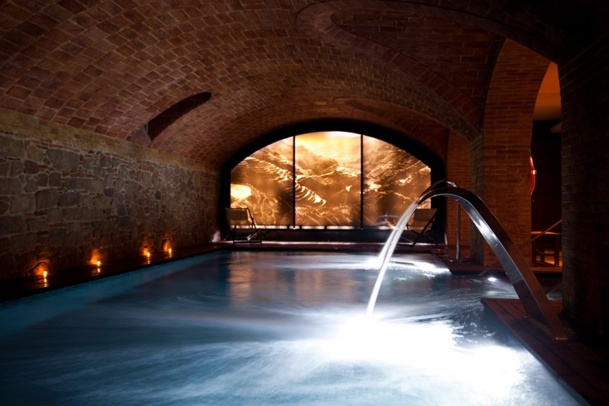 Hotel H1898 in Barcelona : wide range of exclusive treatments and therapies at the spa