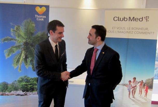 Sylvain Rabuel (Club Med) et Nicolas Delord (Thomas Cook) réunis lors du renouvellement du partenariat Thomas Cook - Club Med - DR : LAC