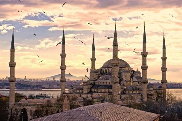 La Turquie va accueillir la 16ème convention du SNAV Île-de-France - © MasterLu - Fotolia.com
