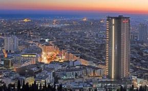 Le Istanbul Marriott Hotel Sisli, 5 * est niché au cœur d'un immeuble de 34 étages sur la rive européenne d'Istanbul - Photo DR