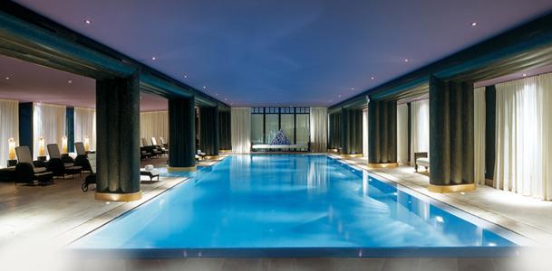 L'établissement compte un Spa de 2 000 m2, qui s'appuie sur l'expertise médicale de la marque Nescens et du Centre de Prévention du Vieillissement de la Clinique de Génolier en Suisse - DR : La Réserve Genève