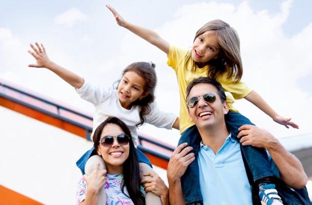 Dans une société où les liens générationnels se renforcent, créer des séjours pour la famille est donc une niche source de valeur. © Andres Rodriguez - Fotolia.com