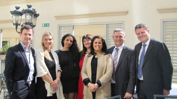 L'équipe de la compagnie SATA avec celle de l'office du tourisme du Portugal. DR