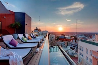 L'Hôtel Indigo Madrid - Gran Via dispose d'une terrasse avec vue panoramique - Photo DR
