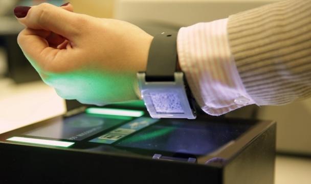 Air Berlin lance la première carte d'embarquement disponible sur Smartwatch.