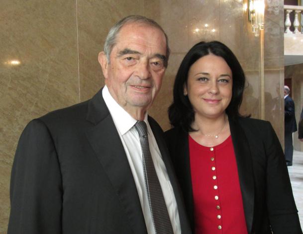 Sylvia Pinel a remis l'insigne d'officier de la légion d'honneur à Georges Colson. DR