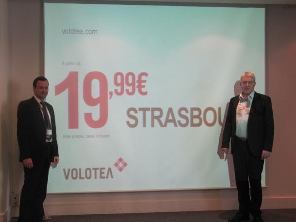 Edo Friart (à gauche), Directeur du Développement International de Volotéa, et Didier Legault Fraslin (à droite), Directeur Commercial France, étaient à Marseille jeudi 24 avril 2014 pour l'annonce de l'ouverture de la ligne vers Strasbourg - Photo P.C.