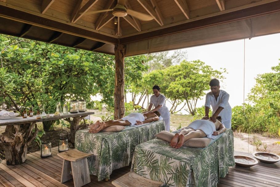 L'île Desroches  (Seychelles) : une destination « no shoes, no news »