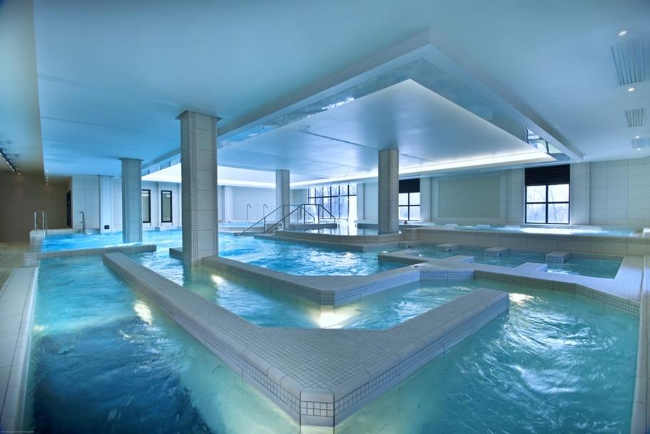 """Chauffée à 32°C et 34°C en fonction des """"ateliers"""", cette piscine Spa est destinée à la relaxation, au bien-être et à la remise - DR"""