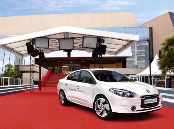 VTC devant le Palais des Festival de Cannes - DR