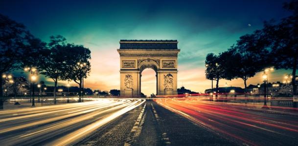 Paris garde sa place de première ville touristique mondiale. © Beboy - Fotolia.com