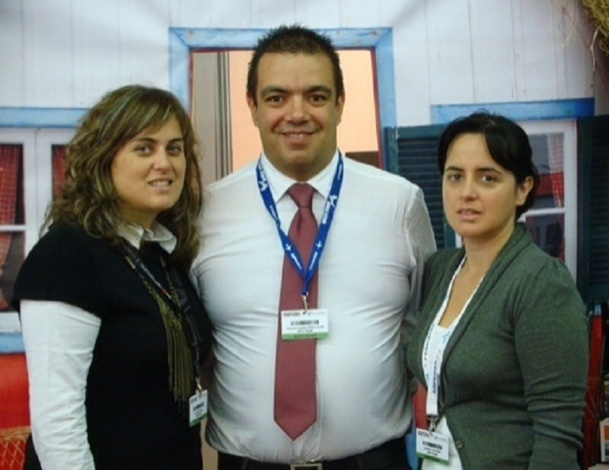 Antonio Duarte, owner of GPS Tour, at the Top Resa 2010, surrounded by Dora Antonio the Algarve representative and Anabela Antonio Technical Manager - Photo DR