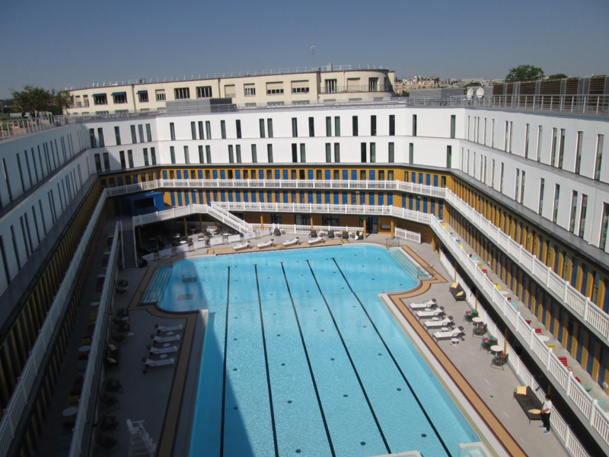 Accor rouvre la piscine molitor paris for Piscine hotel paris