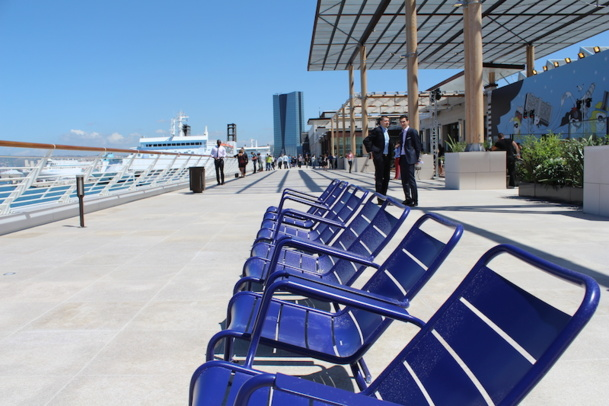marseille inaugure les terrasses du port. Black Bedroom Furniture Sets. Home Design Ideas