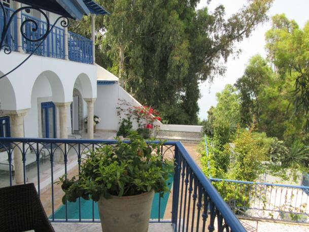 Chambres sur terrasses, sur piscine, sur jardin. Toutes ont une vue imprenable sur la mer.