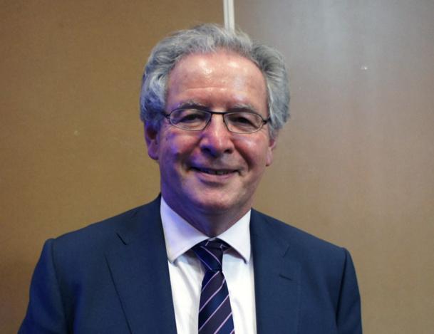 R.-M.Chikli Président du SETO a présenté les chiffres du syndicat des TO. Les voyagistes du Seto ont fait voyager 2 459 835 clients, soit une baisse d'activité de 9.4%, pour un volume d'affaires de 2 039M€ (-8.1%). Seule satisfaction, la recette unitaire est en progression à 829€, soit une hausse de 1,4%. - Photo CE