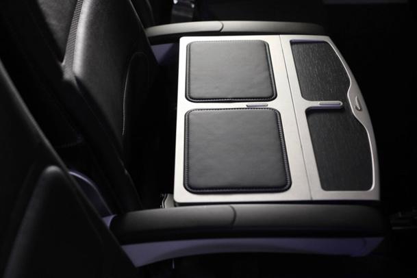Dans la Classe Club Europe, une console en cuir sépare les deux sièges - DR