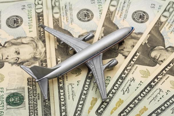 YQ et YR sont considérés par les compagnies aériennes comme des montants leur revenant et faisant partie intégrale des montants hors taxes et frais externes à la compagnie aérienne - DR : © Karen Roach - Fotolia.com