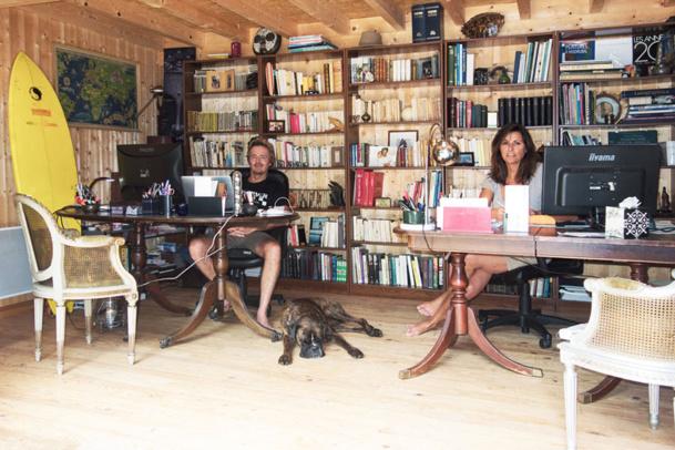 Jean-Hervé Cristol et sa femme dans leur bureau au Cap Ferret - DR