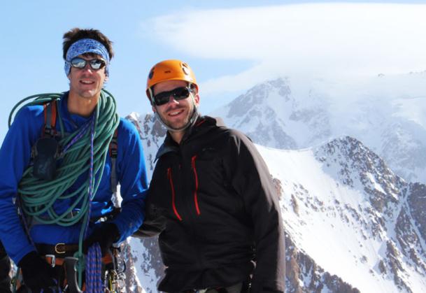 Jérémie Crémer à droite avec un guide de haute montagne - DR