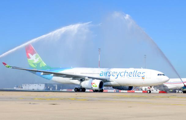 Le baptême du premier vol d'Air Seychelles à Paris, après plus de deux années d'absence. DR
