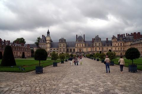 Les nuages s'amoncellent sur la destination France