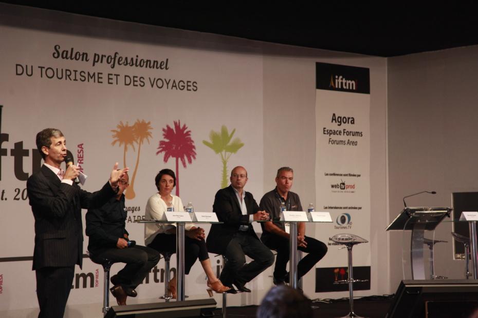 Lors de la conférence « Mieux vendre avec internet », au salon IFTM-Top Resa le mercredi 24 septembre avec Sébastien Boucher (13e homme), Raphaël Fetique (Converteo), Olivier Binisti (Adobe) et Massimiliano Gallo (TripAdvisor).