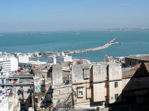 Vue sur le Port d'Alger (photo JDL)