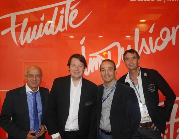 Au centre : Ludovic Philippo et Bruno Berrebi, sur le stand Sabre, IFTMTopResa 2014