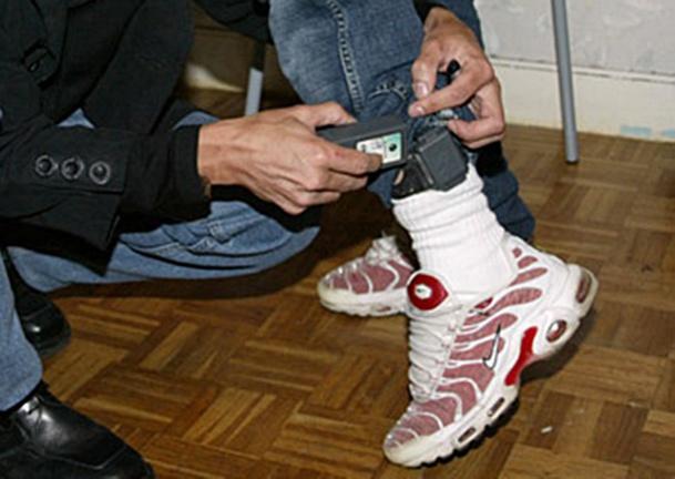 Bon c'est vrai que c'est très moche mais comme dit Karl Lagerfeld, ça peut vous sauver la vie... :Photo dr