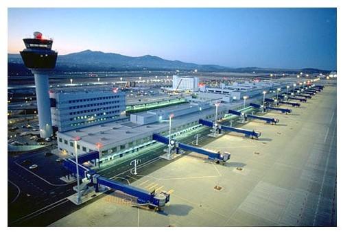 L'ensemble du parc hôtelier fonctionne et les aéroports internationaux sont ouverts...