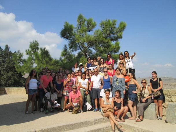 Rhodes, une première pour ces pros du voyage. Ici sur l'Acropole qui domine le petit village de Lindos - DR : M.S.
