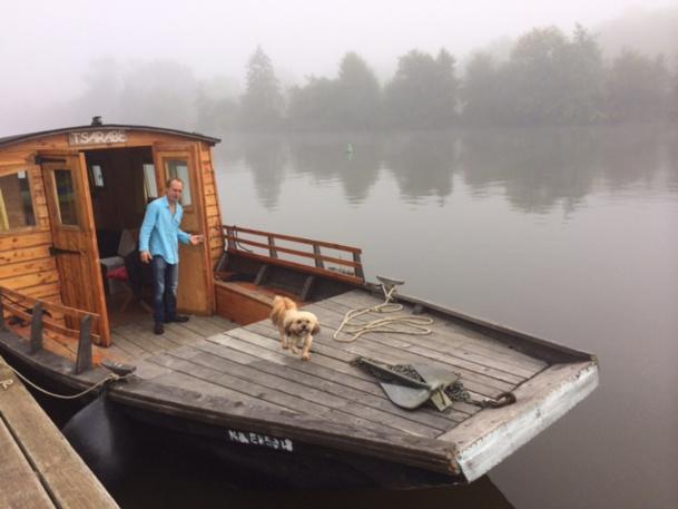 Yann, éclusier à Roche du Maine et loueur de toue cabanée en bois - DR : J-P Combe